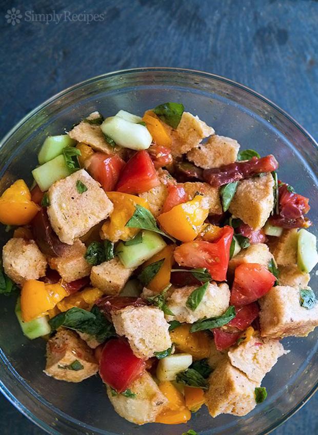 panzanella-bread-salad-vertical-600-2-600x821